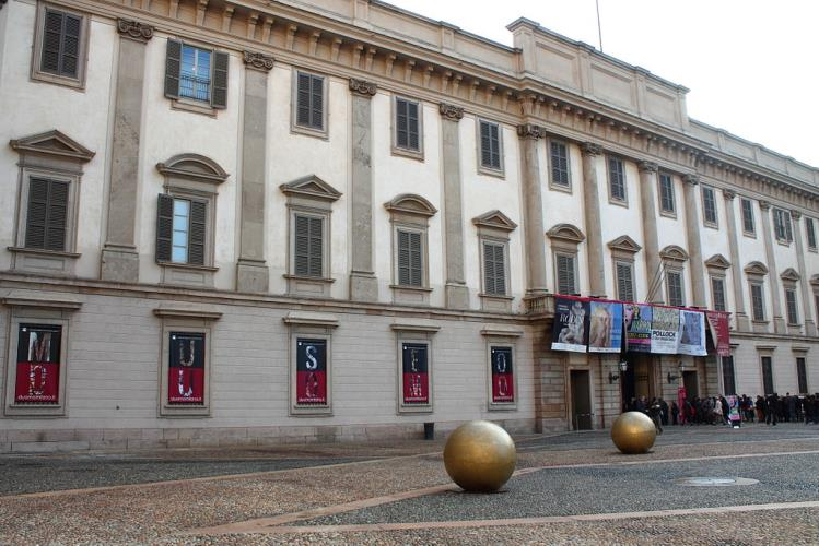 If you come to Milan won't want to miss the beautiful exhibitions at Palazzo Reale.